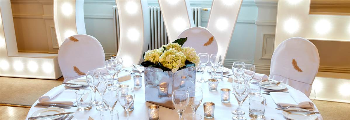 Wedding Venues South Wales At The Angel Hotel Abergavenny Ajj 6256 Angel0136