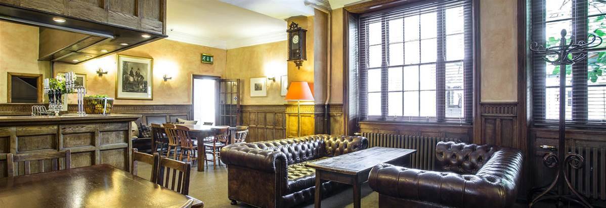 Dining in Abergavenny Angel Hotel 3 Star Hotel Restaurants Monmouthshire South Wales